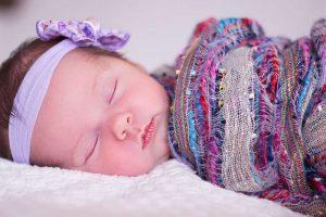 baby head sweating while sleeping